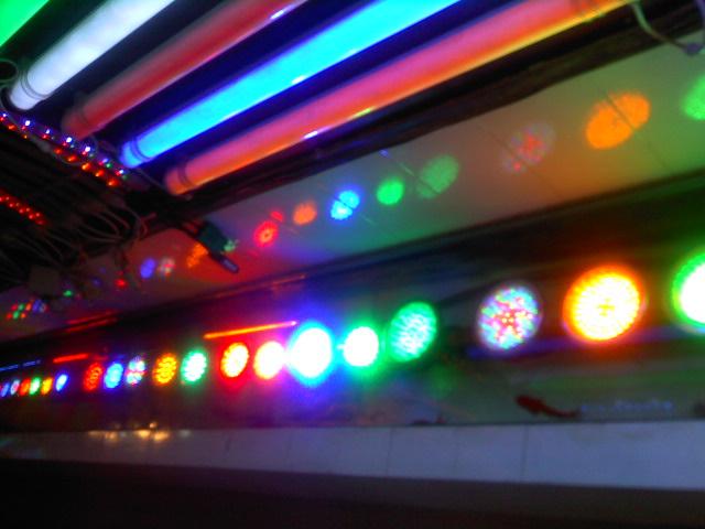 雷竞技网站LED水下灯销售